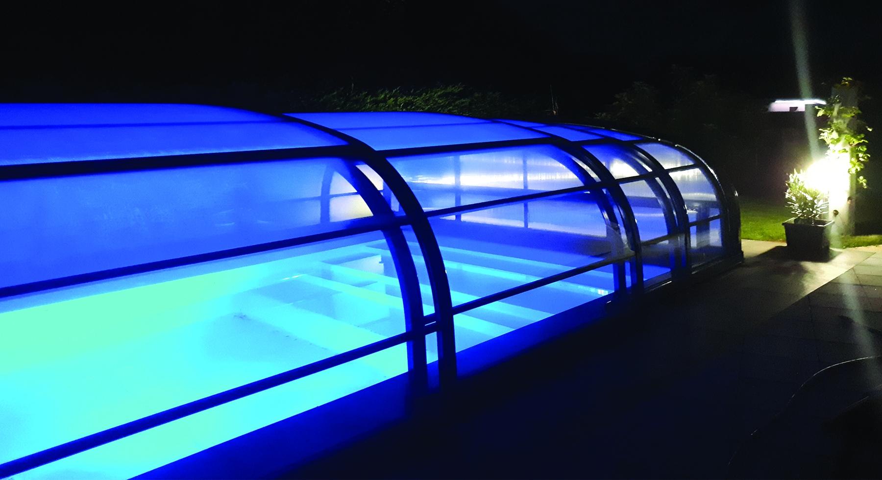 Abri de piscine haut télescopique Le 180